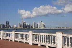El moderno Panamá desde el casco antiguo