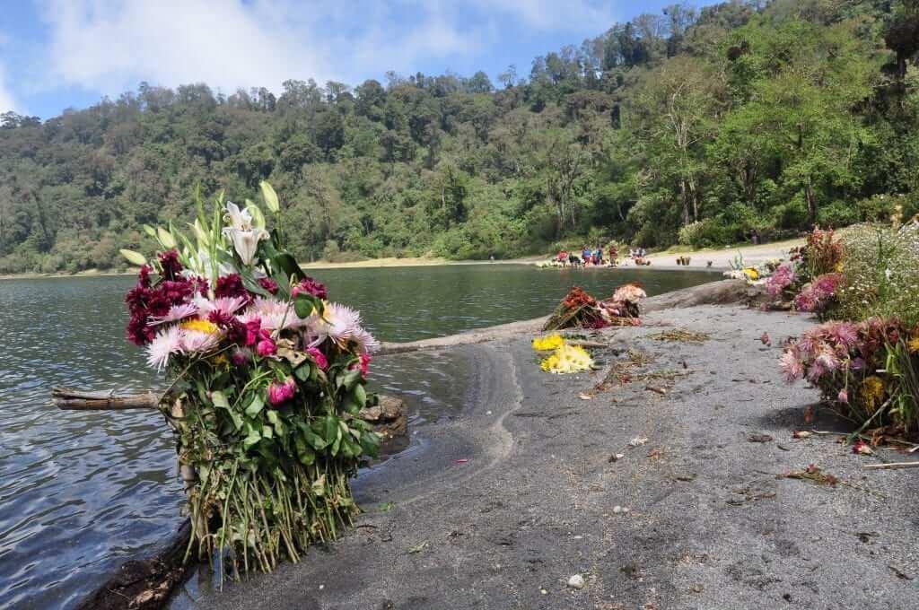 Viajar a Guatemala Laguna chicabal