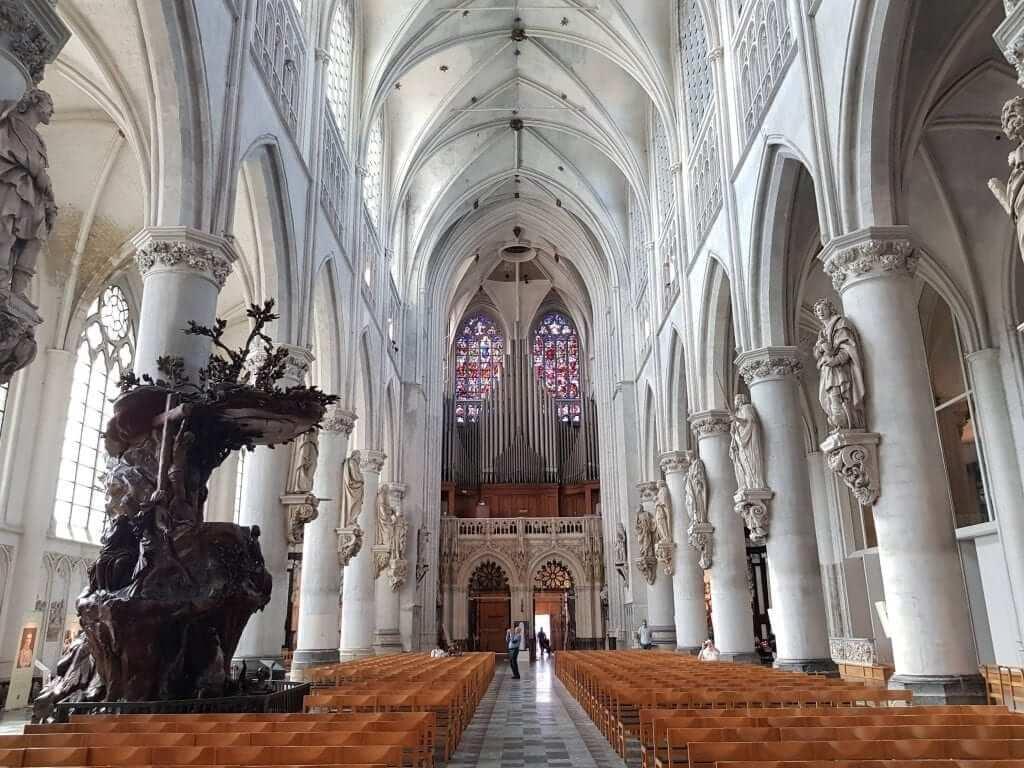 que ver en Malinas, Catedral