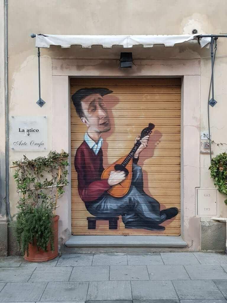 que hacer en Valdera, Toscana, Lajatico