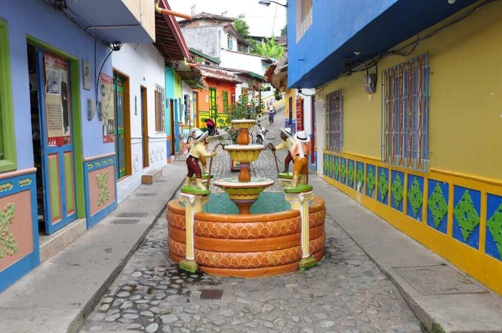 que ver en Guatapé, Colombia
