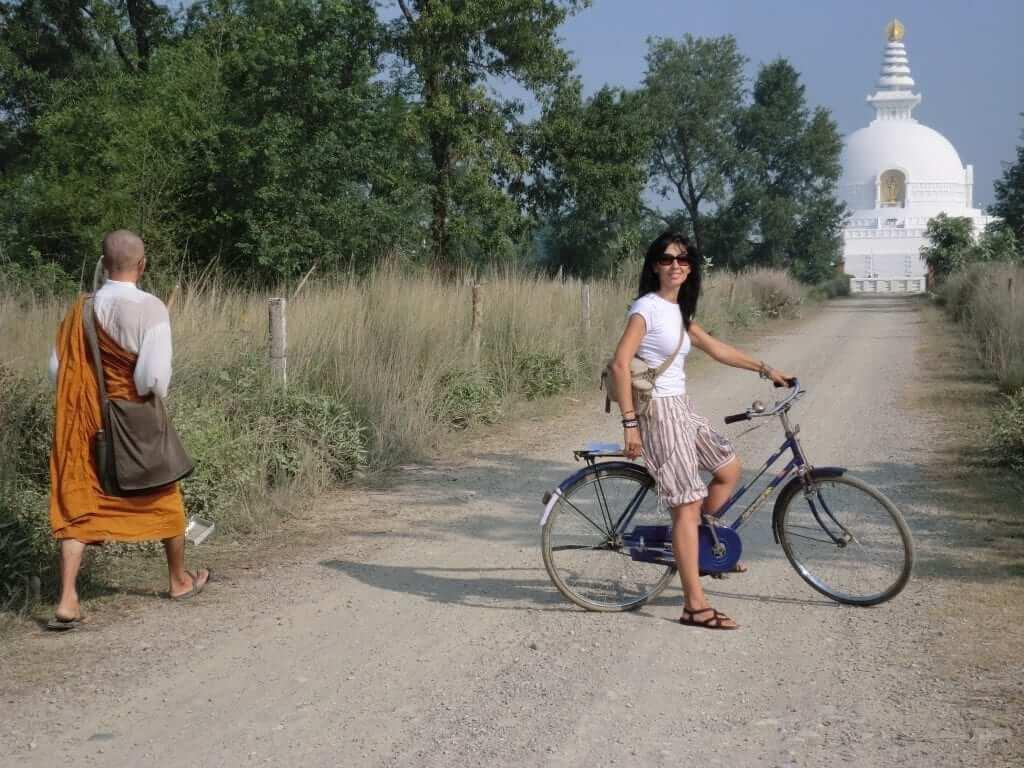 Lumbini, hacia el templo de la paz
