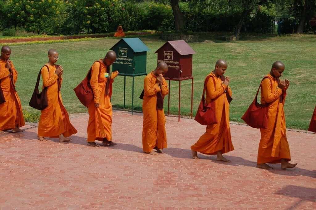 Lumbini, monjes