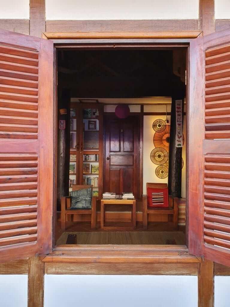 Le Bougainvillier, Laos